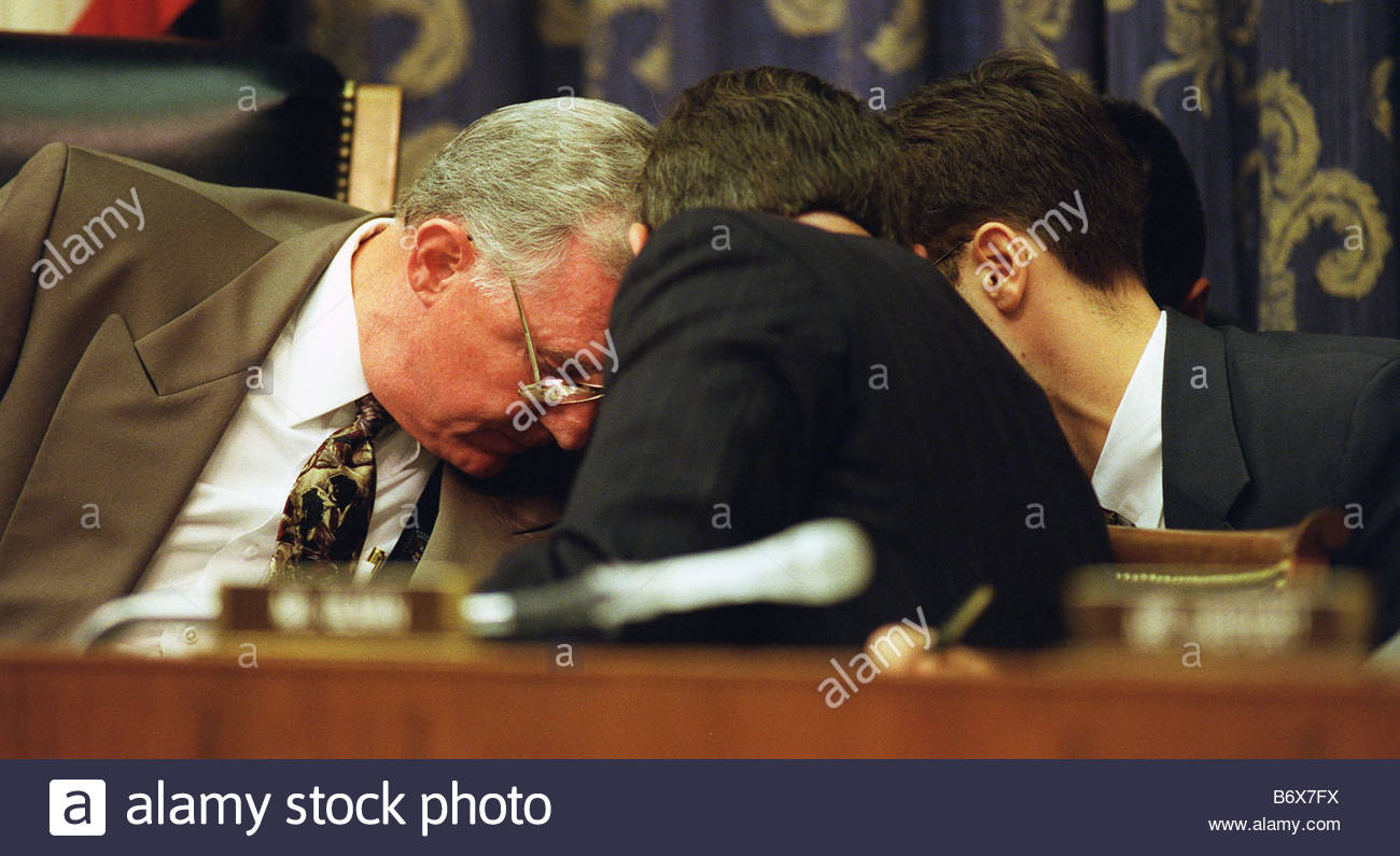 10 08 97 HOUSE CAMPAIGN FINANCE HEARINGS Chairman Dan Burton R Ind consults with lawyers after Paul E Kanjorski - Stock Image