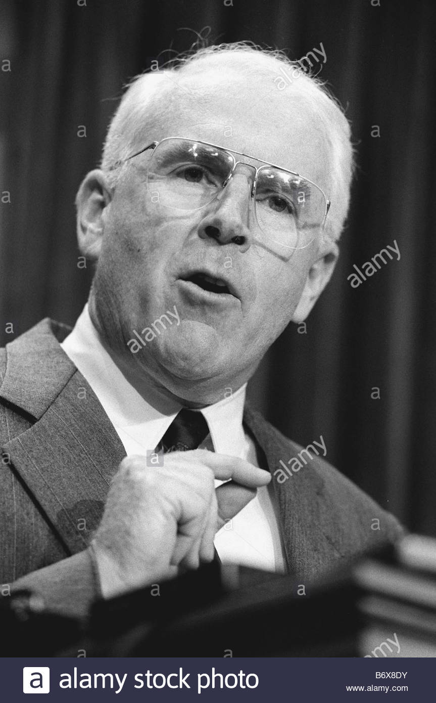 1 16 97 GINGRICH ETHICS Rep Vic Fazio D Calif during news conference on House Speaker Newt Gingrich R Ga and the - Stock Image