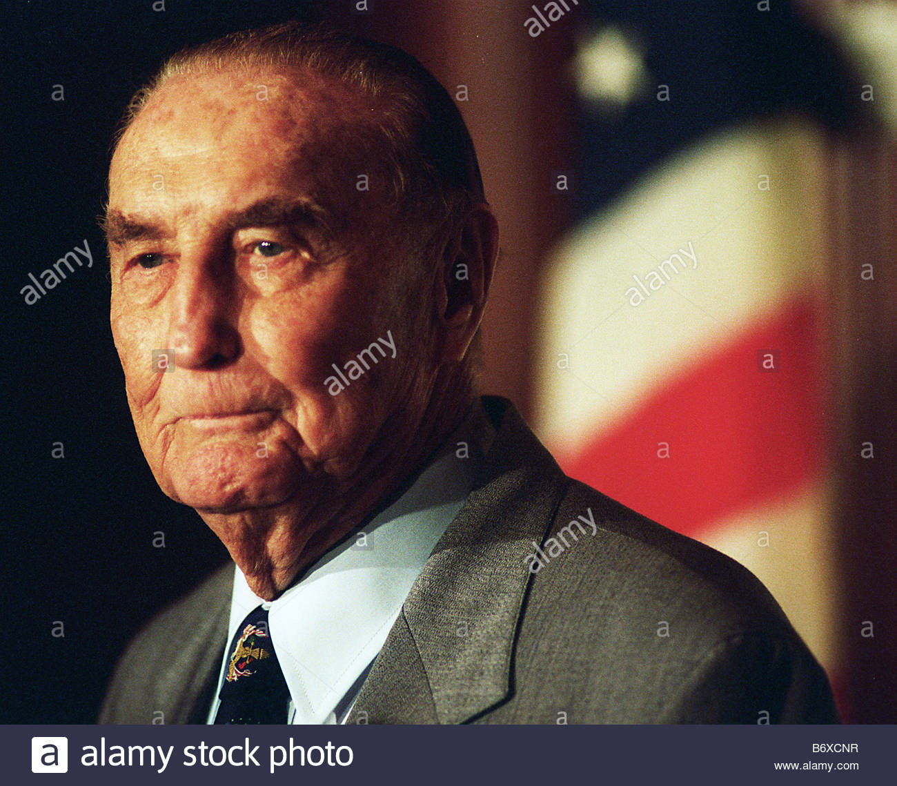 5 22 97 STROM THURMOND Sen Strom Thurmond R S C on becoming the longest serving Senator May 25 1997 CONGRESSIONAL - Stock Image