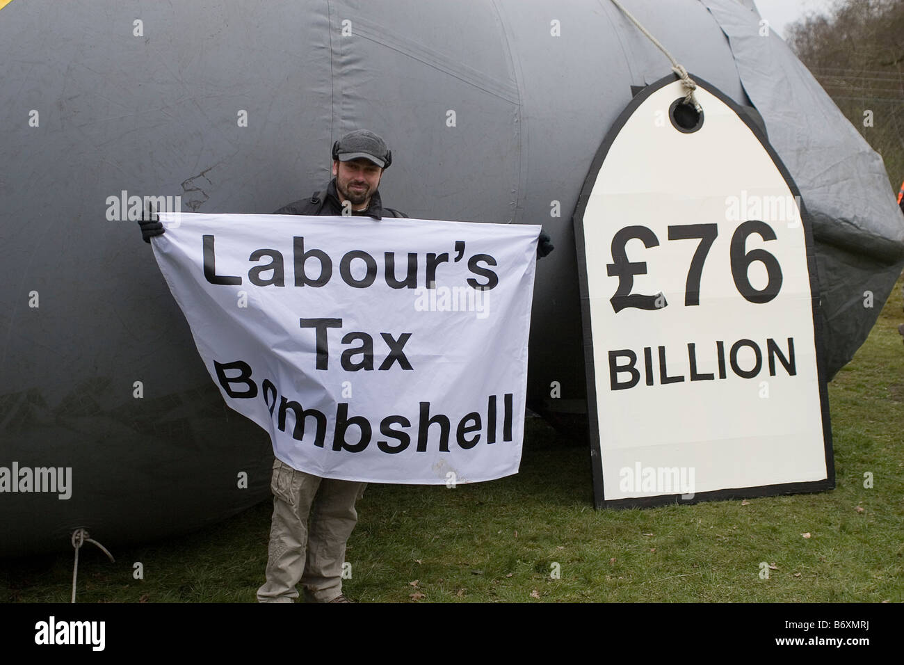 Protestor at Aldermaston AWE at the Easter 2008 CND protest - Stock Image