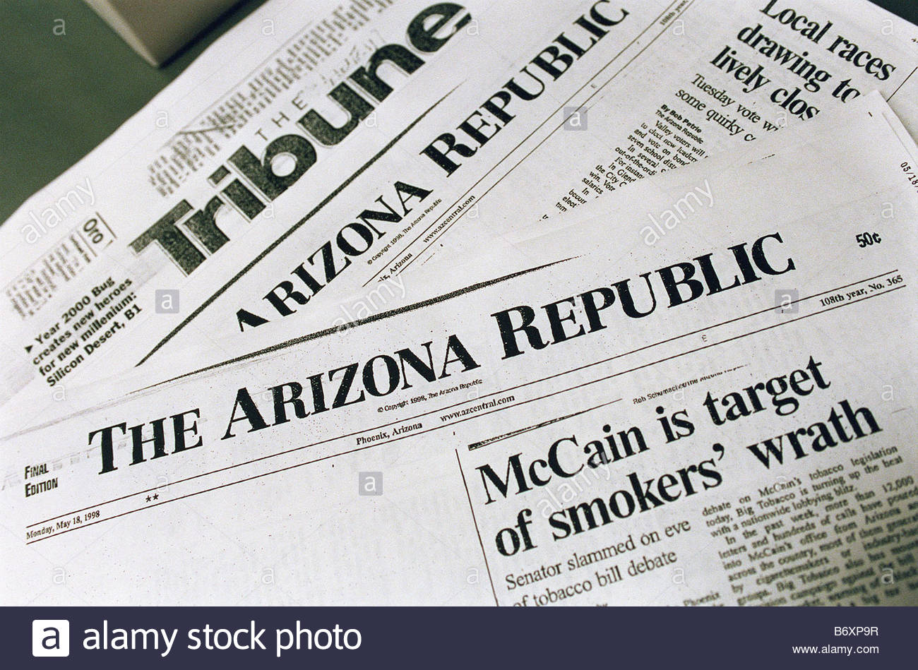 5 18 98 MCCAIN S DAY Photocopies of Monday newspaper clippings in the press office of Sen John McCain R Ariz CONGRESSIONAL - Stock Image