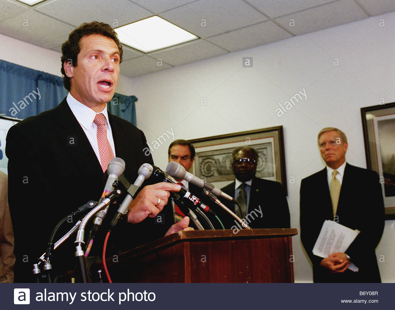 9 8 99 HUD NEWS CONFERENCE Housing and Urban Development Secretary Andrew Cuomo talks about his opposition of the - Stock Image