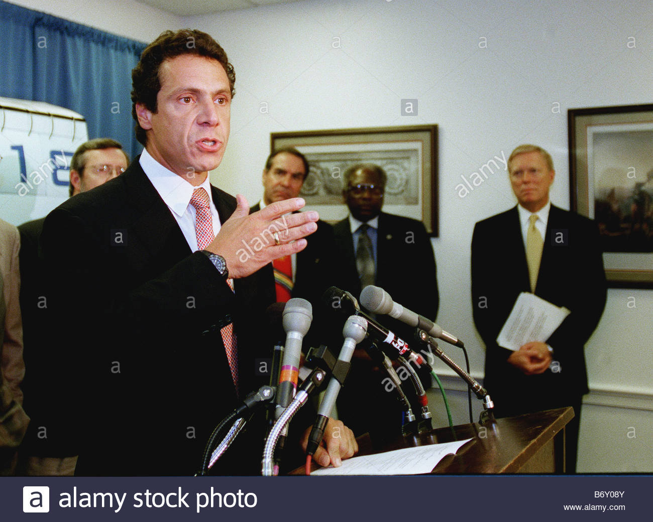 9 8 99 HUD NEWS CONFERENCE Housing and Urban Development Secretary Andrew Cuomo talks during a news conference about - Stock Image