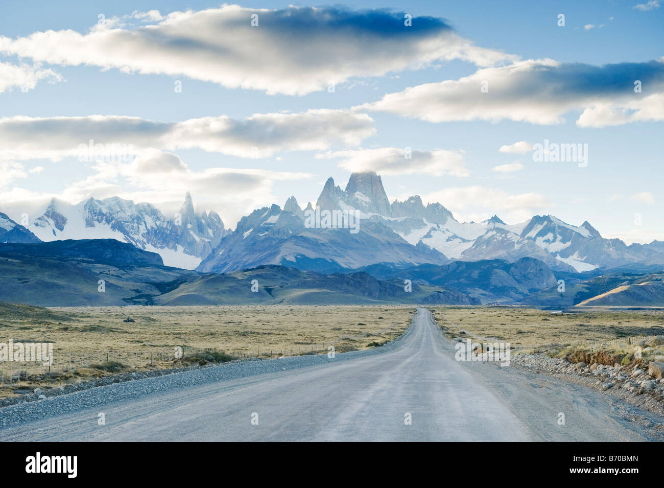 Looking down the road that leads to Chalten and Los Glaciares National Park, Argentina. - Stock Image