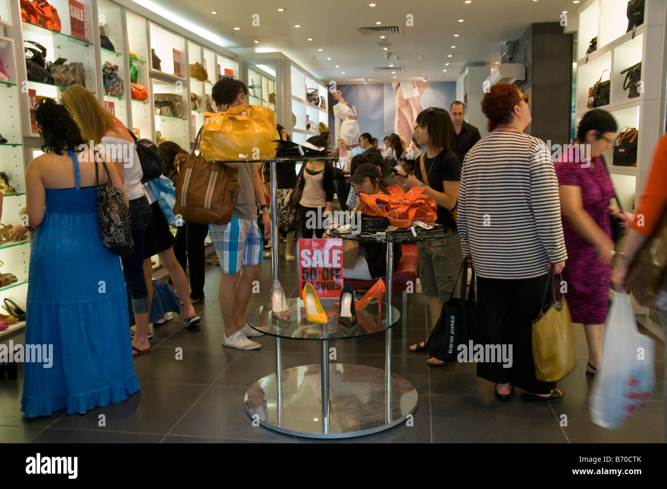 Shopping during the Boxing Day sales in Melbourne Australia - Stock Image