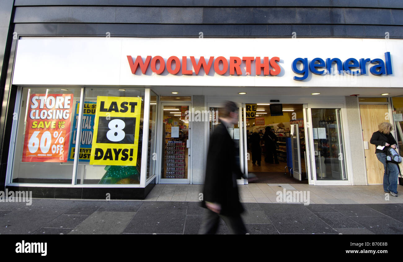 woolworths general store closing down - Stock Image