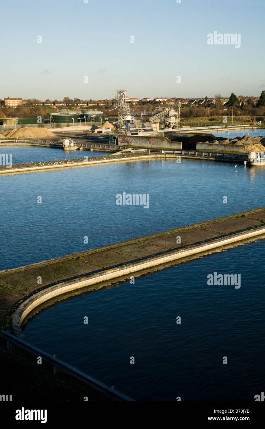 Filter beds at Thames Water treatment works at Kempton Park, Middlesex. UK. (44) Stock Photo