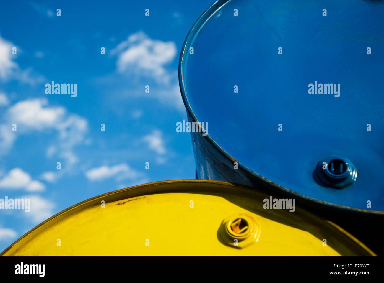 55 Gallon Drum Stock Photos & 55 Gallon Drum Stock Images