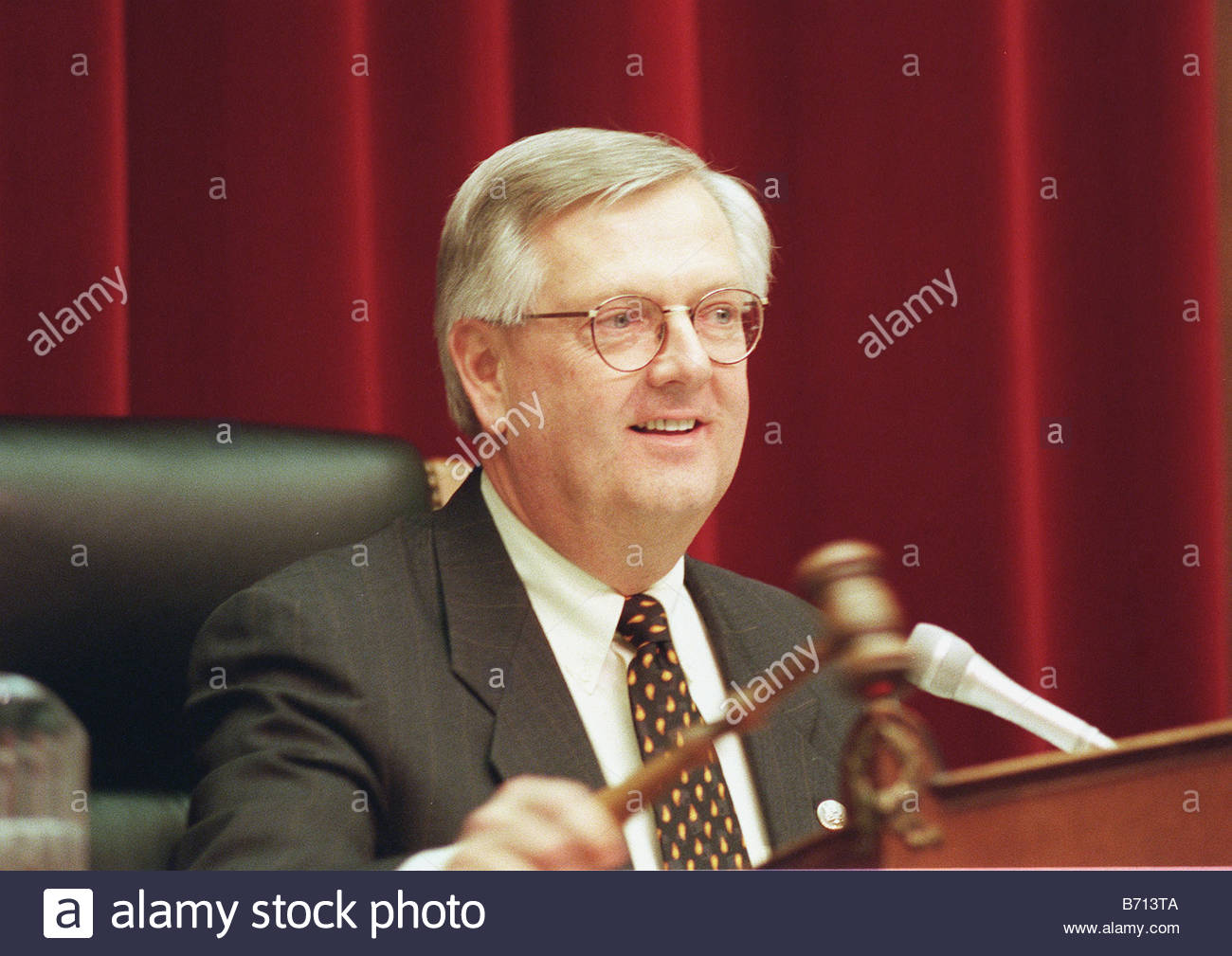 2 16 00 MISSILE DEFENCE PROGRAMS Chairman Curt Weldon R Pa during his opening statement at the hearing on ballistic - Stock Image