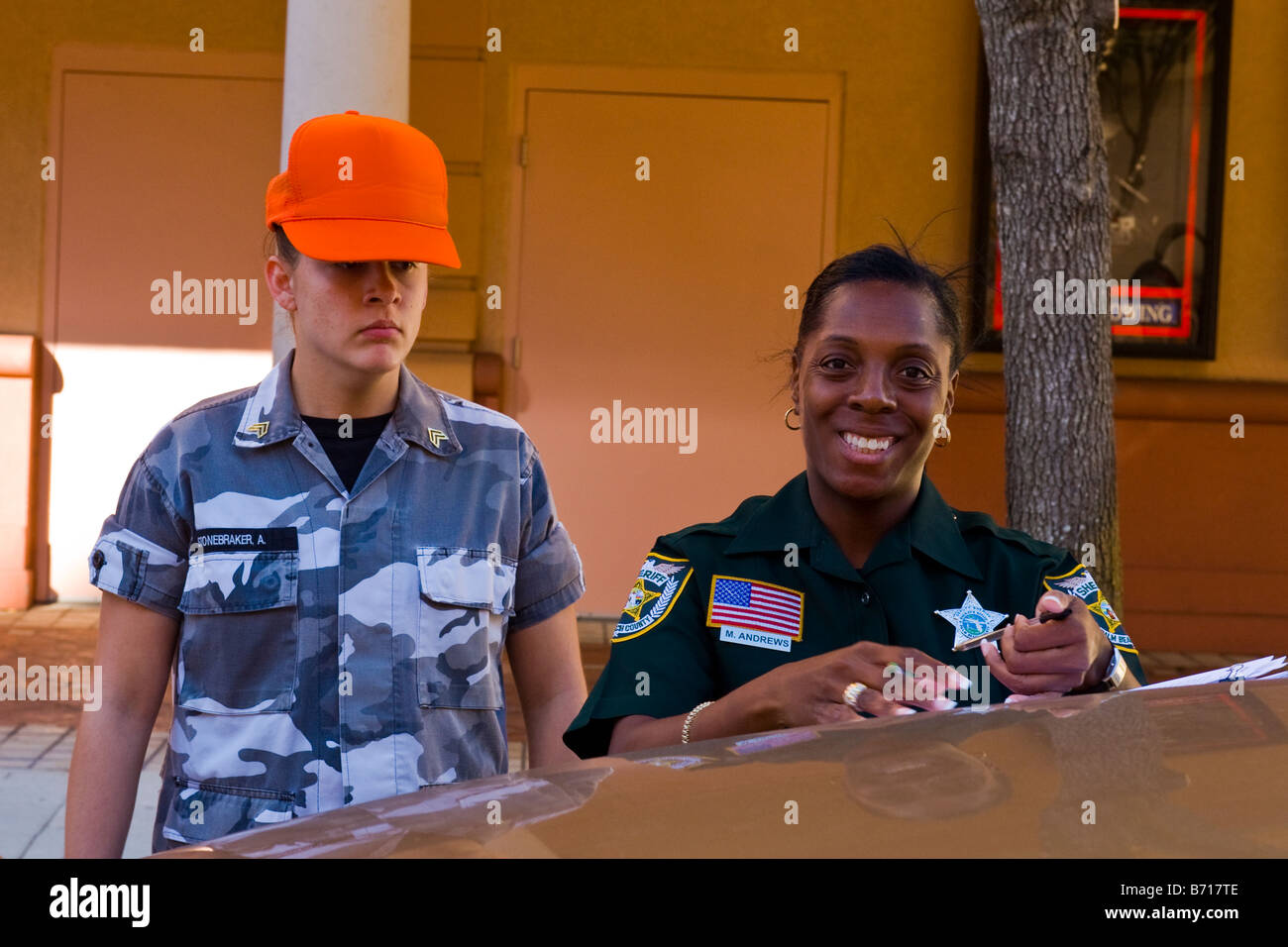 Us Police Officer Woman Stock Photos & Us Police Officer Woman Stock