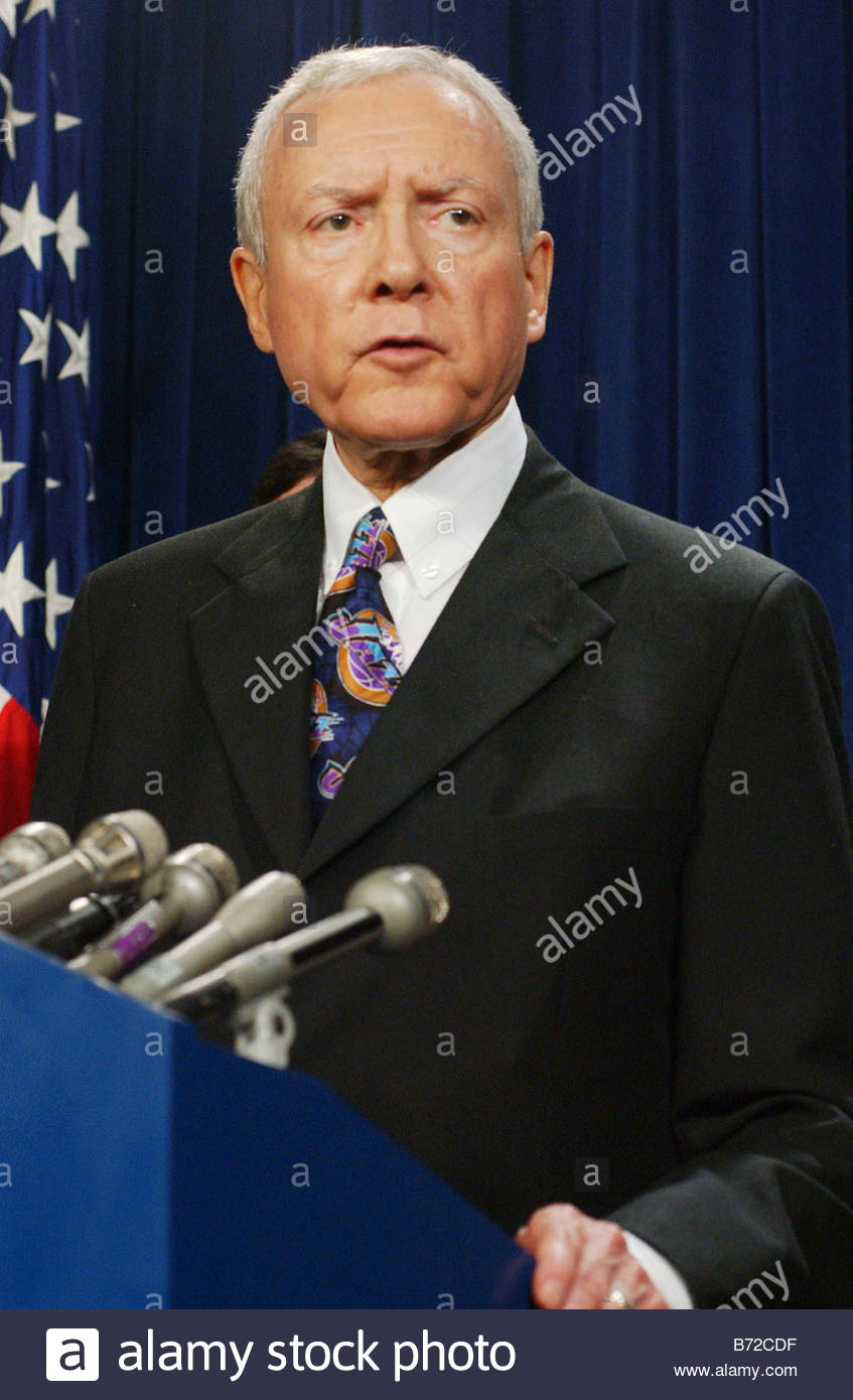 11 6 03 JUDICIAL NOMINEES FILIBUSTER Senate Judiciary Chairman Orrin G Hatch R Utah during a news conference on - Stock Image