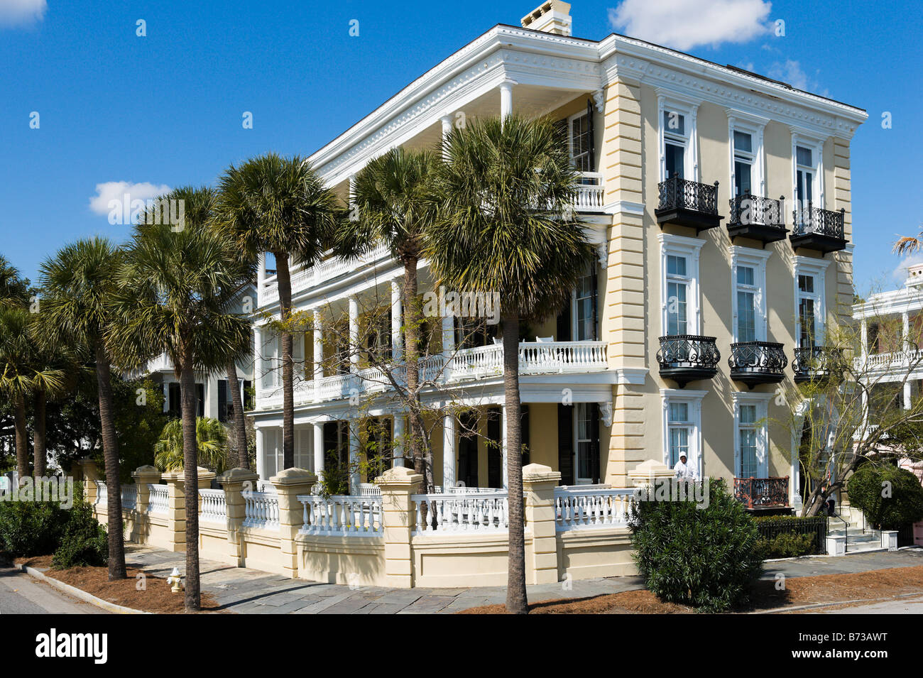 Historic waterfront mansion on the corner of South and East Battery Streets, Charleston, South Carolina, USA - Stock Image