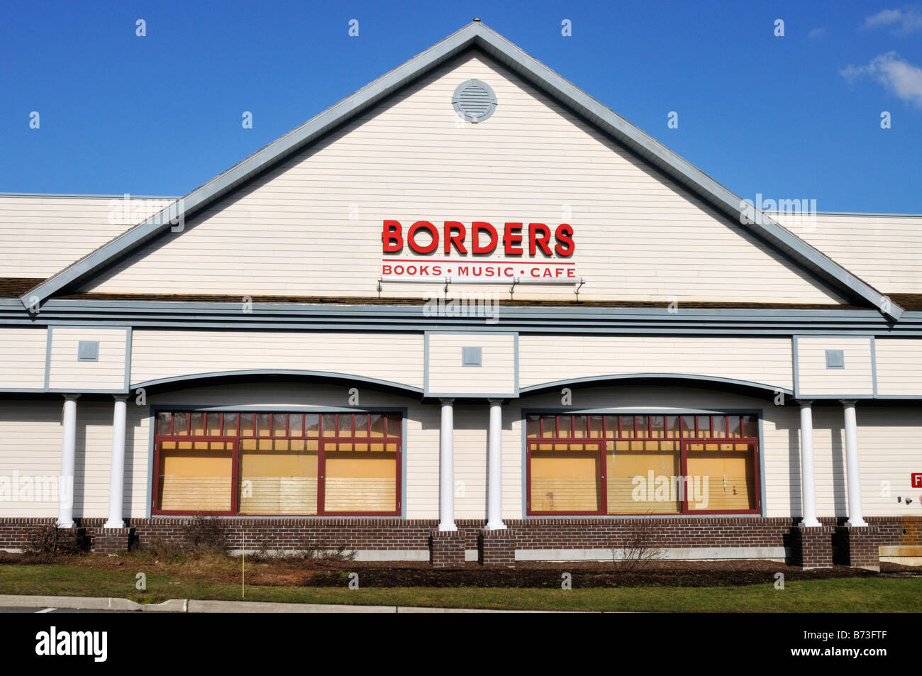 Exterior facade of Borders Book Store with sign and logo, USA. - Stock Image