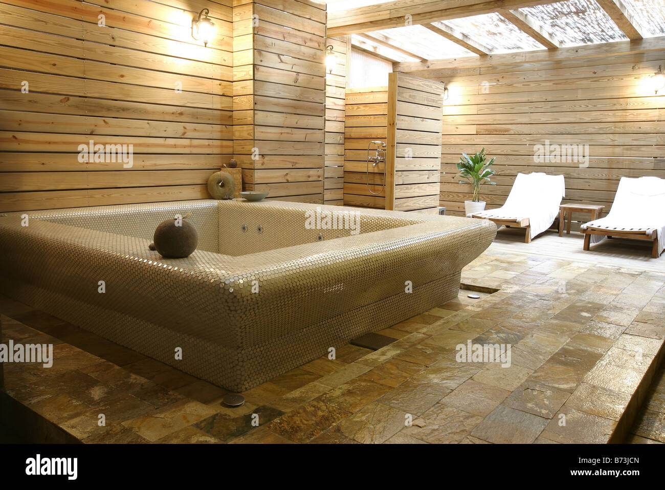 Pot Plants Bathroom Stock Photos & Pot Plants Bathroom Stock Images ...
