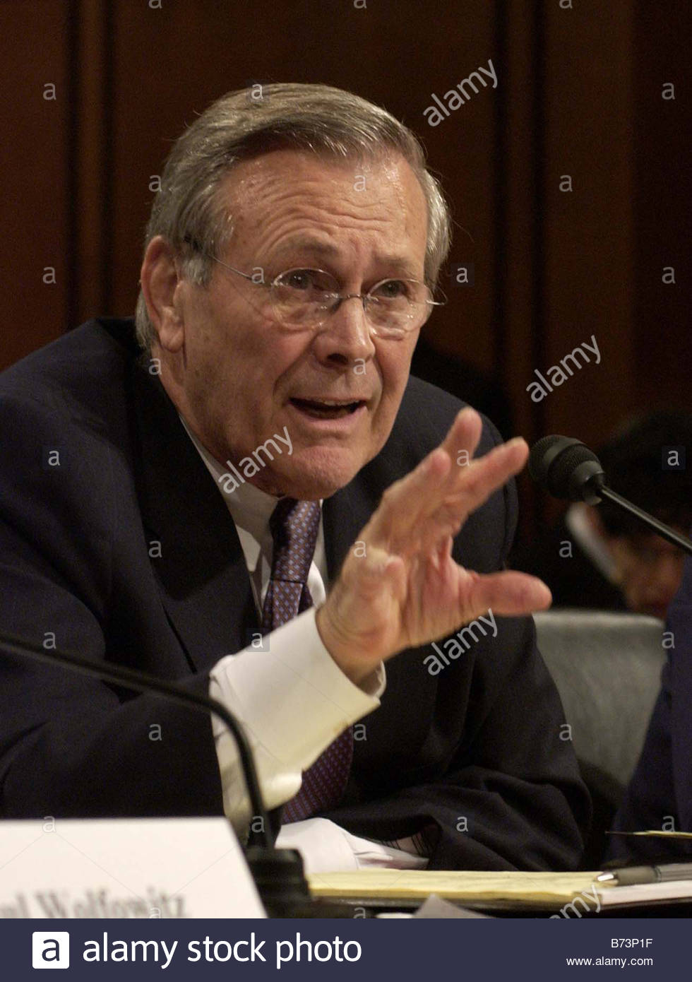 3 23 04 SEPTEMBER 11 COMMISSION HEARING Defense Secretary Donald Rumsfeld during first of two days of Sept 11 commission - Stock Image
