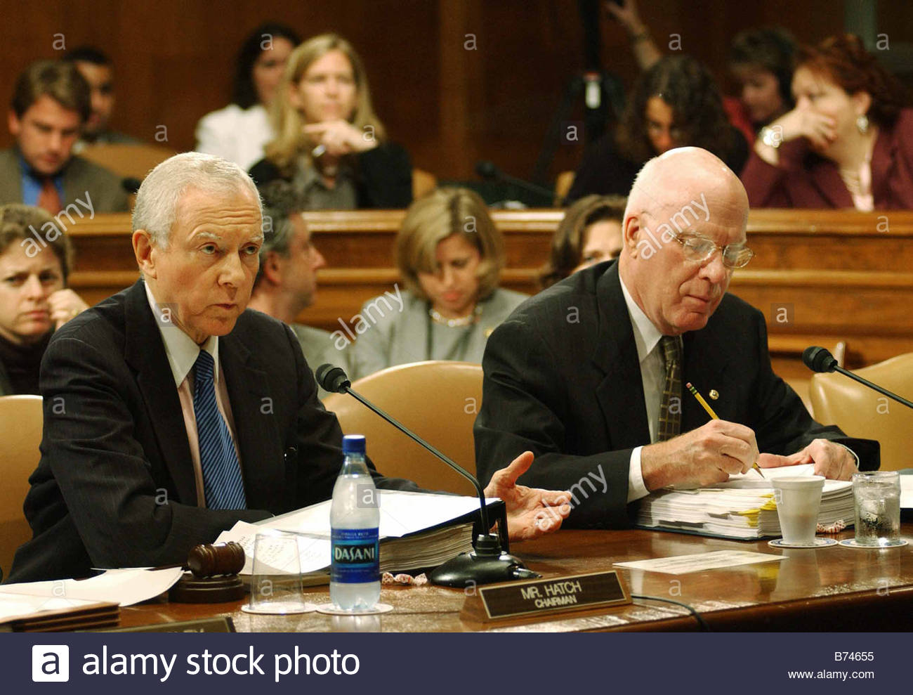 9 09 04 SENATE JUDICIARY MARKUP Chairman Orrin G Hatch R Utah and ranking Democrat Patrick J Leahy D Vt during the - Stock Image