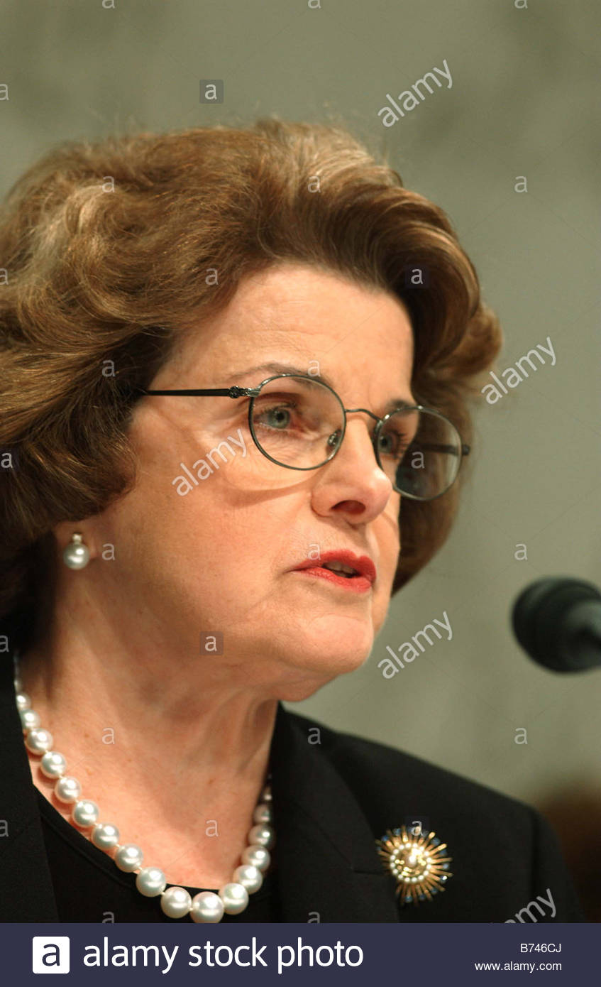 9 14 04 GOSS NOMINATION HEARING Sen Dianne Feinstein D Calif during the Senate Select Intelligence Committee confirmation - Stock Image