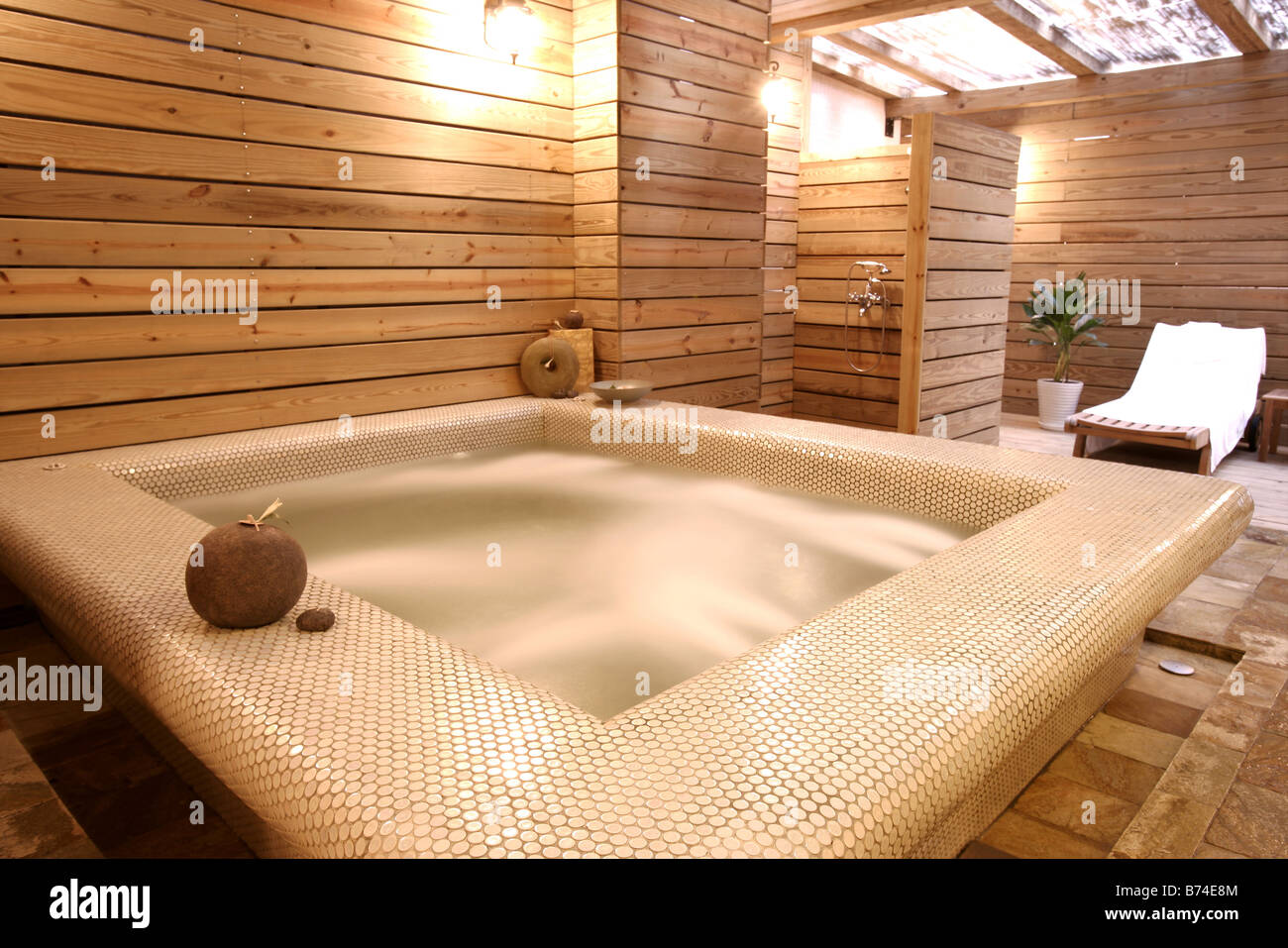 Spa Tub Couch Stock Photos & Spa Tub Couch Stock Images - Alamy