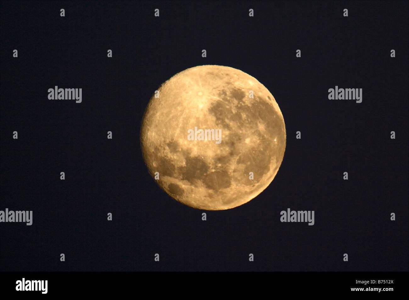 New Zealand, North Island, Whakapapa, Tongariro National Park, full moon. - Stock Image