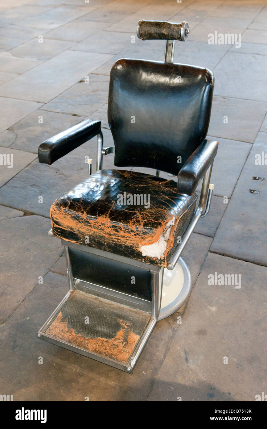 Fabulous Old Worn Black Leather Dentists Chair Stock Photo 21623747 Gmtry Best Dining Table And Chair Ideas Images Gmtryco