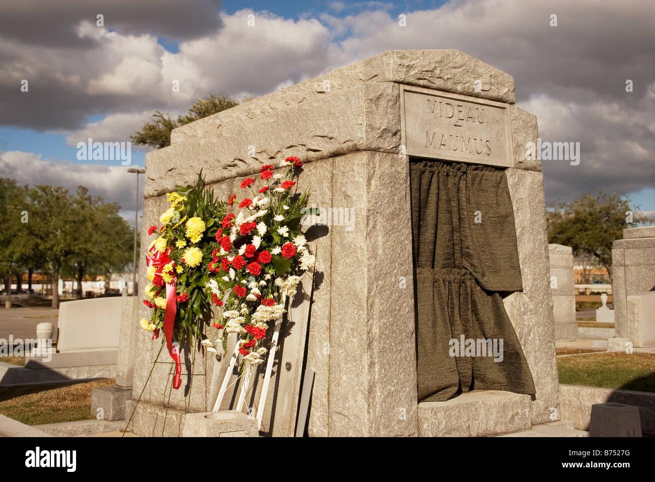 Burial Vault Stock Photos & Burial Vault Stock Images - Page 2 - Alamy