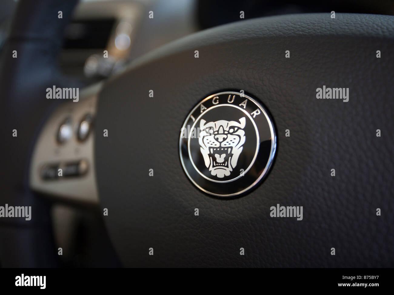 Jaguar Badge On A Car Steering Wheel Stock Photo 21632107 Alamy