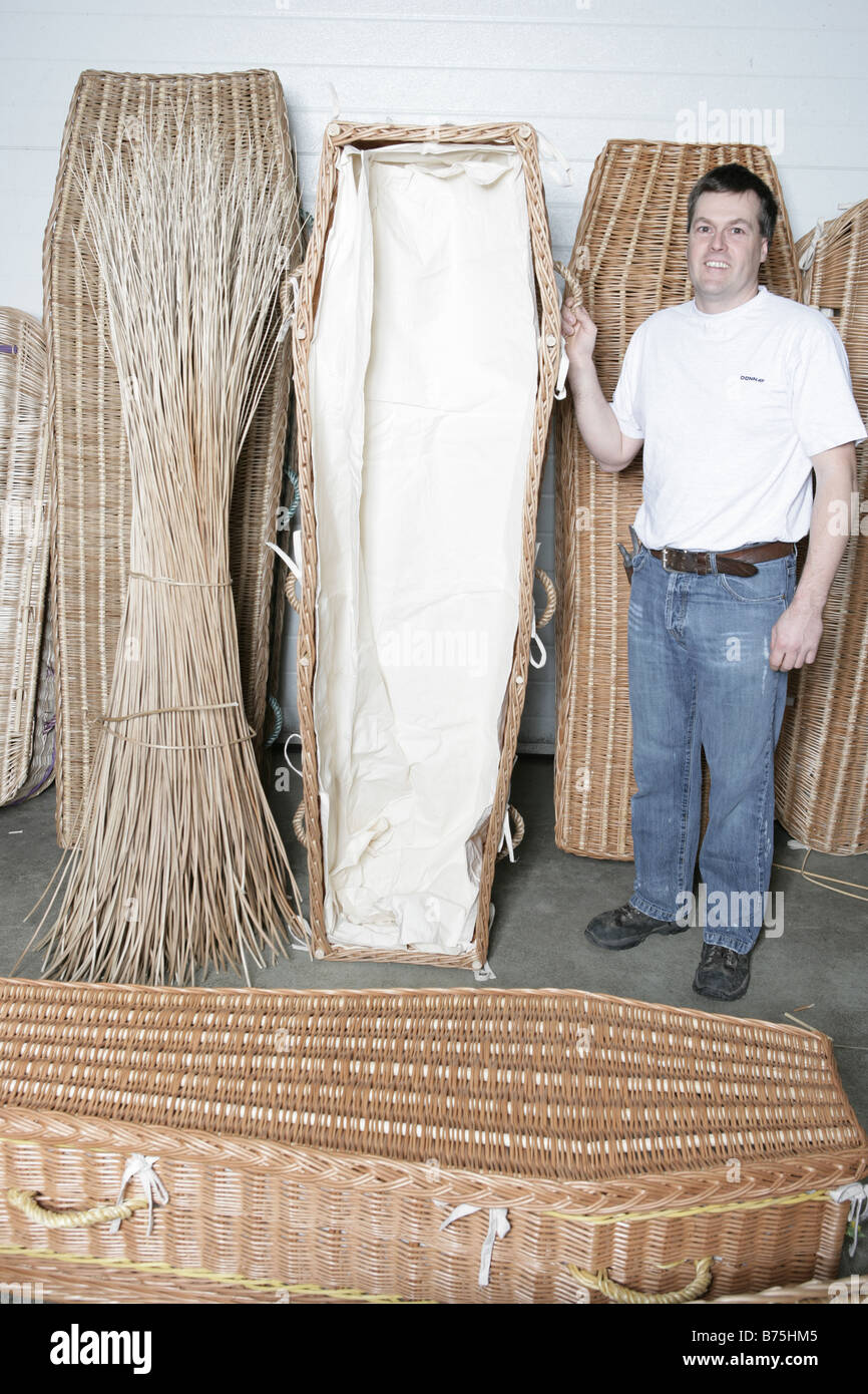 Coffin made by hand from willow grown on the Somerset levels - Stock Image
