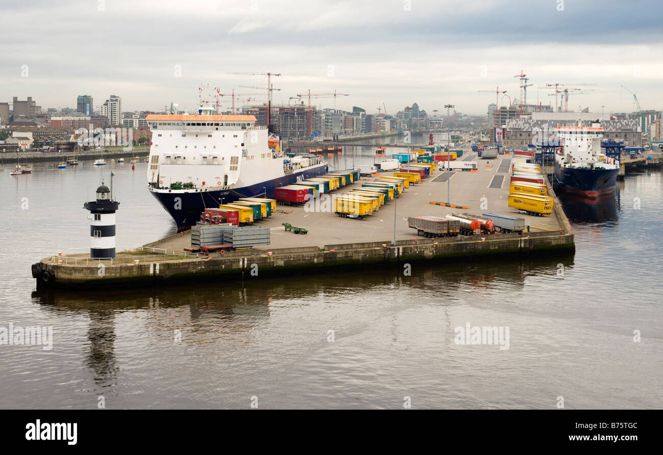 P&O ferry Norbay (1994), berthed in the River Liffey at the Port of Dublin, Republic of Ireland. - Stock Image