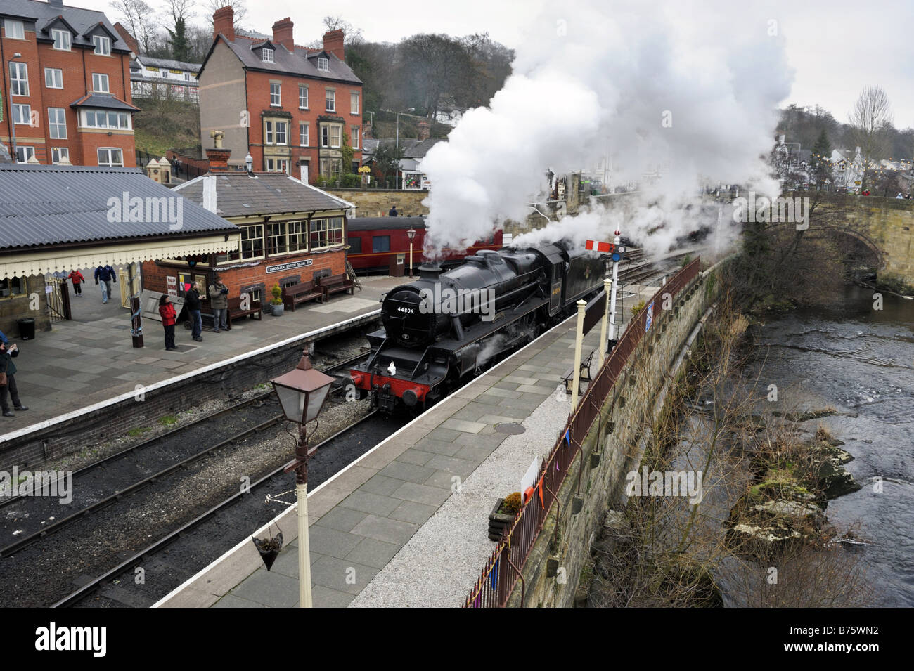 A Black Five steam locomotive at Llangollen Station, Llangollen, Wales, 2009 Stock Photo