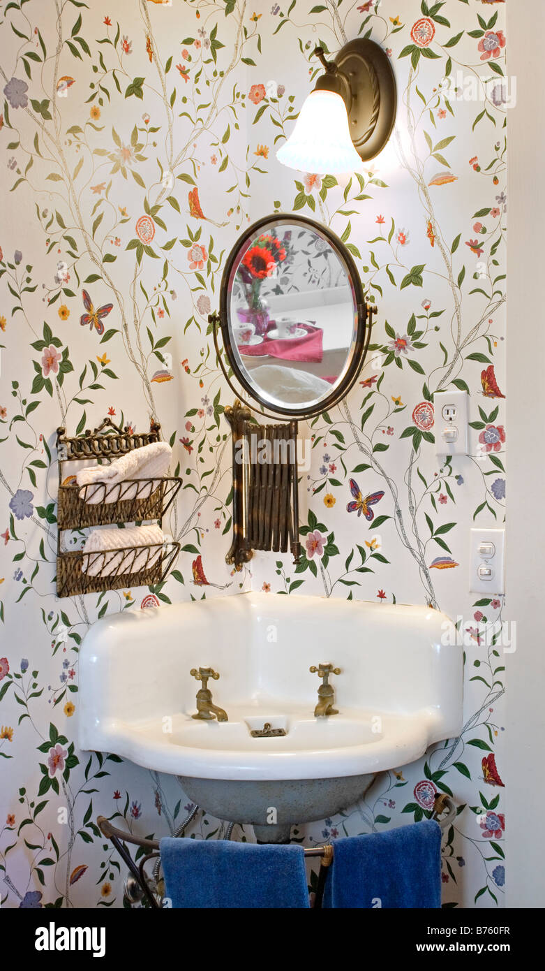 An Old Style SINK And MIRROR In A VICTORIAN BED AND ...