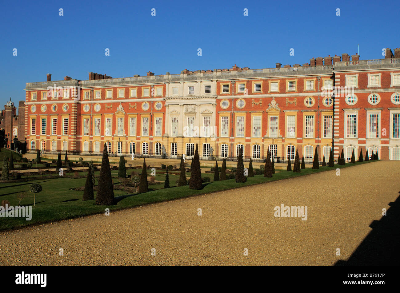 The Privy garden and the Hampton Court Palace Surrey Stock Photo ...