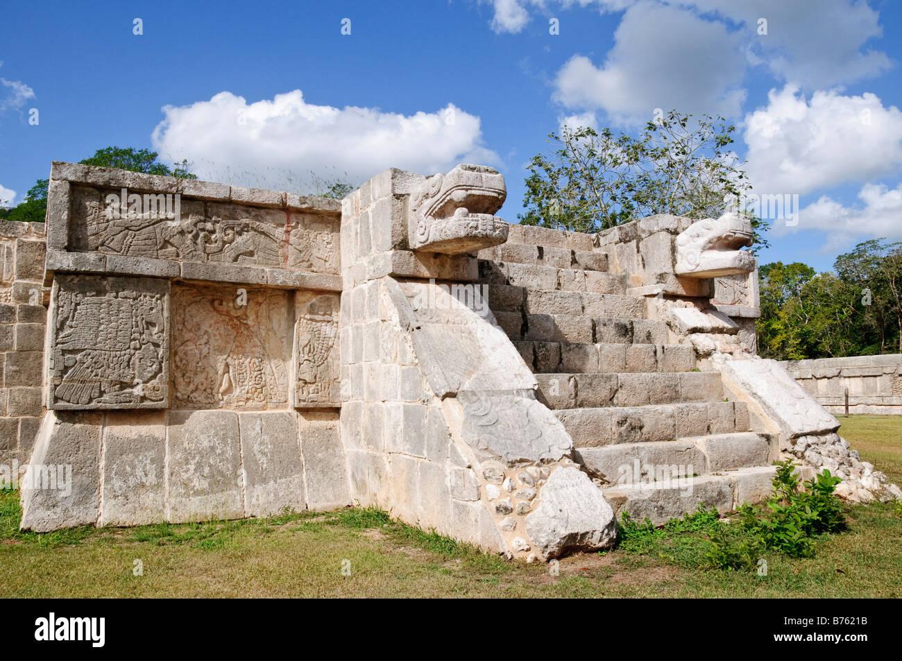 CHICHEN ITZA, Mexico - Ancient Mayan ruins at Chichen Itza, Yucatan, Mexico - Stock Image