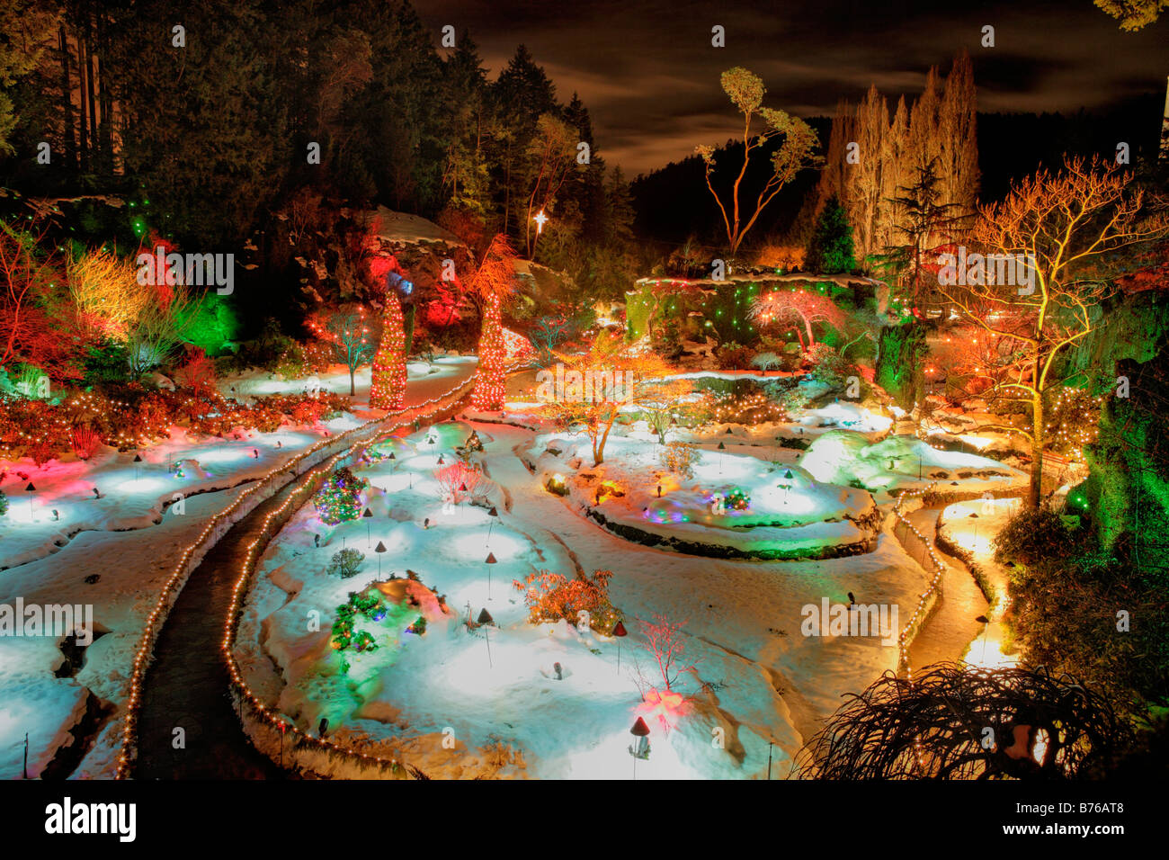 Sunken garden with Christmas lights at night Butchart ...