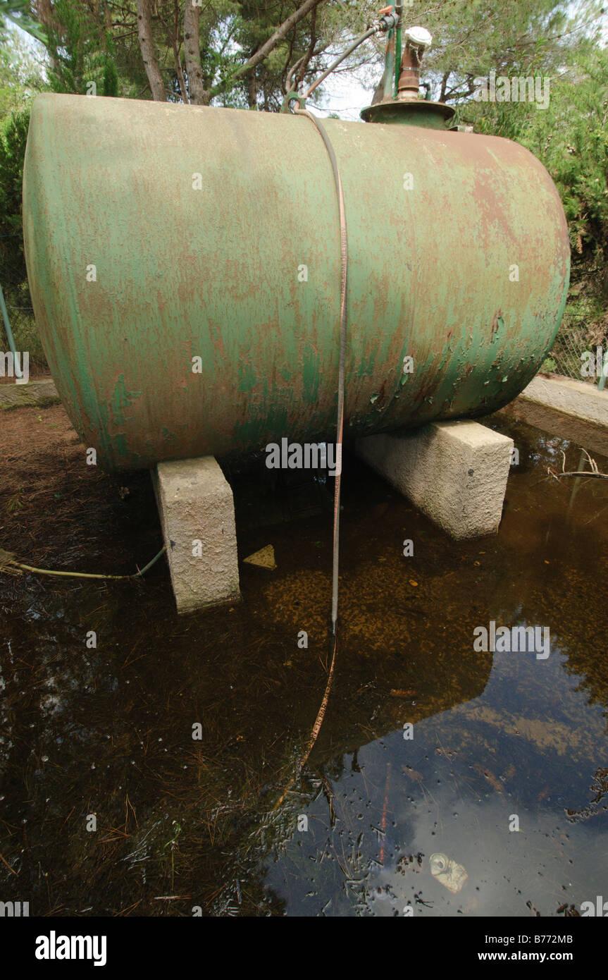 Asian Water Tank Stock Photos & Asian Water Tank Stock