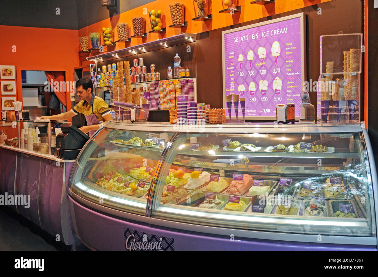Ice-cream parlour, La Ribera quarter, Barcelona, Catalonia, Spain, Europe - Stock Image