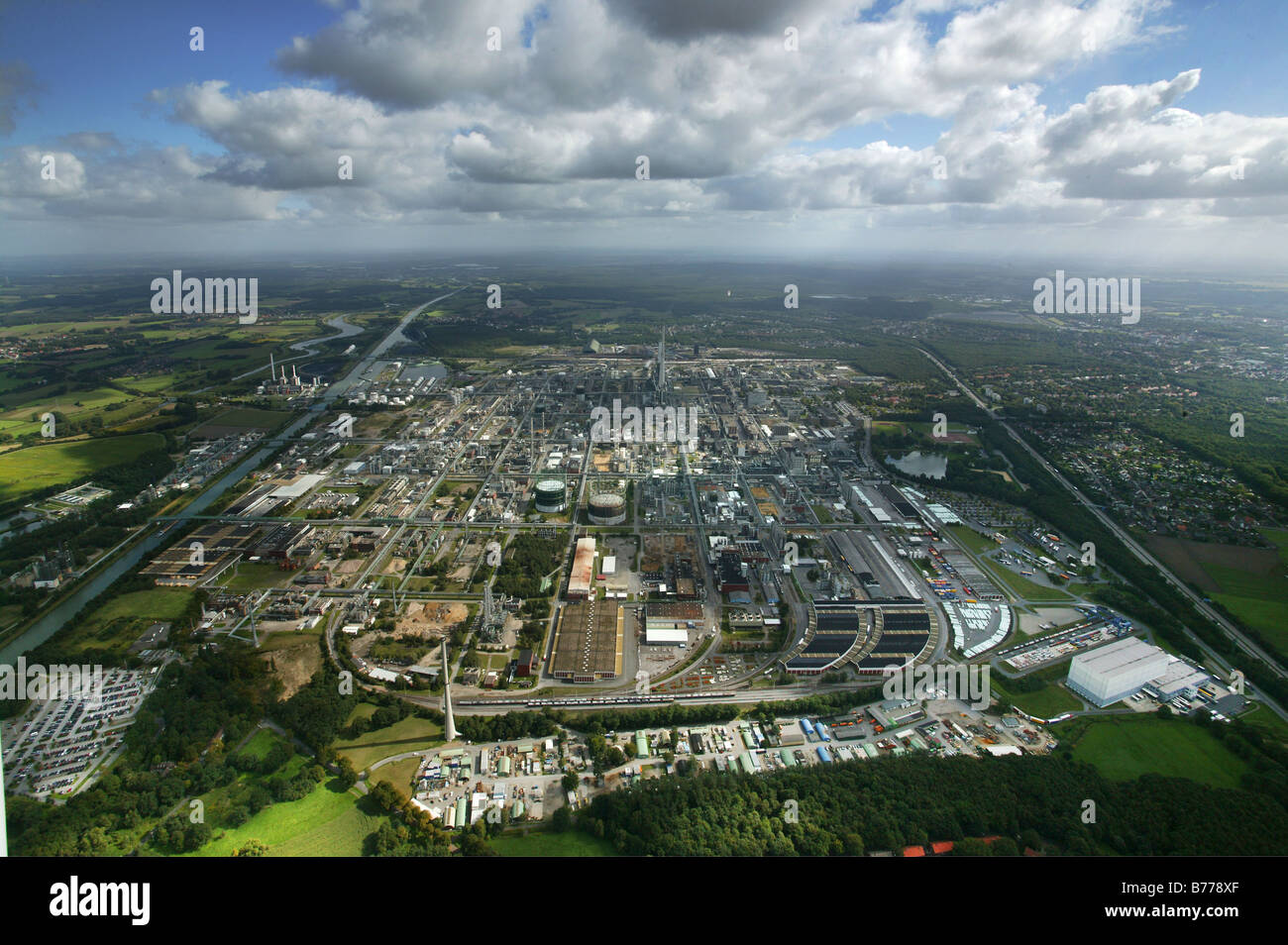 Aerial photograph, Degussa, EVONIK, chemical works, Chemiepark Marl, power stations, clouds, Ruhr Area, North Rhine - Stock Image