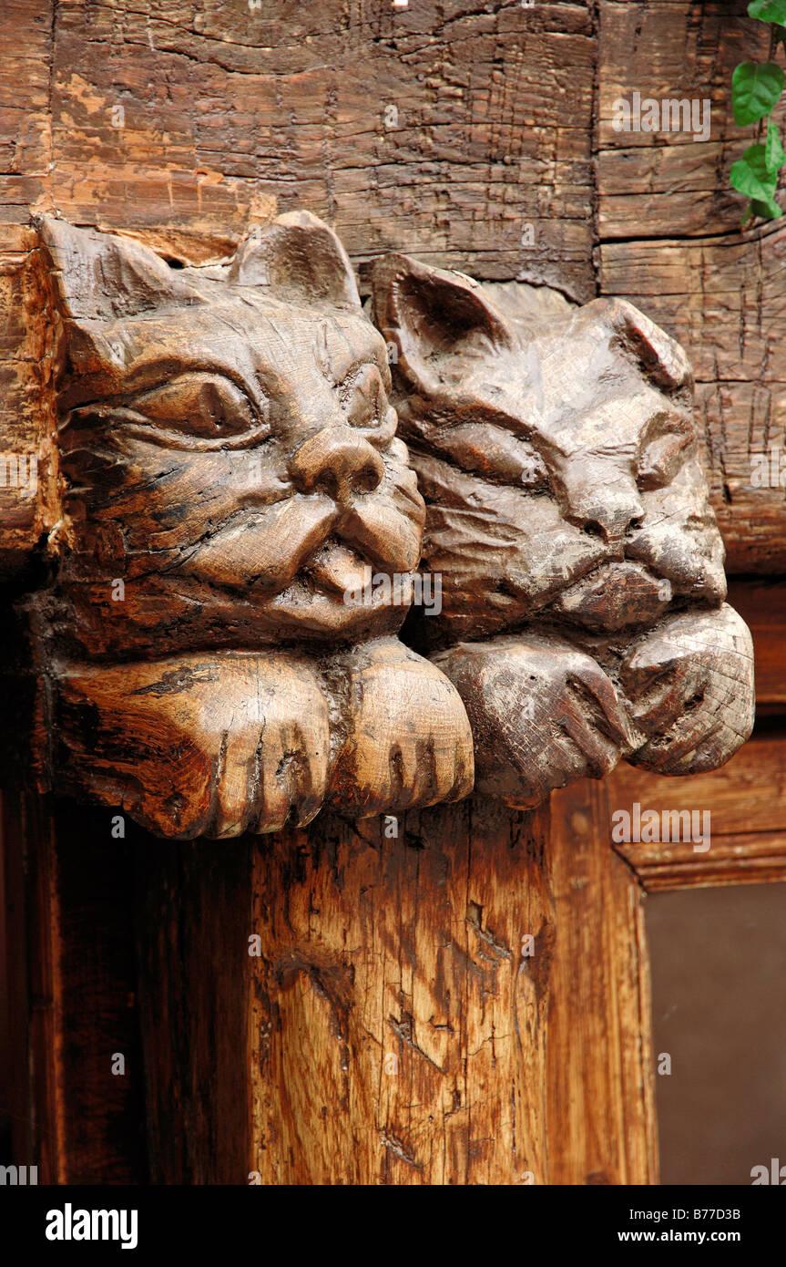 Wood carving, Saint-Paul de Vence, Alpes-Maritimes, Provence-Alpes-Cote d'Azur, Southern France, France, Europe - Stock Image