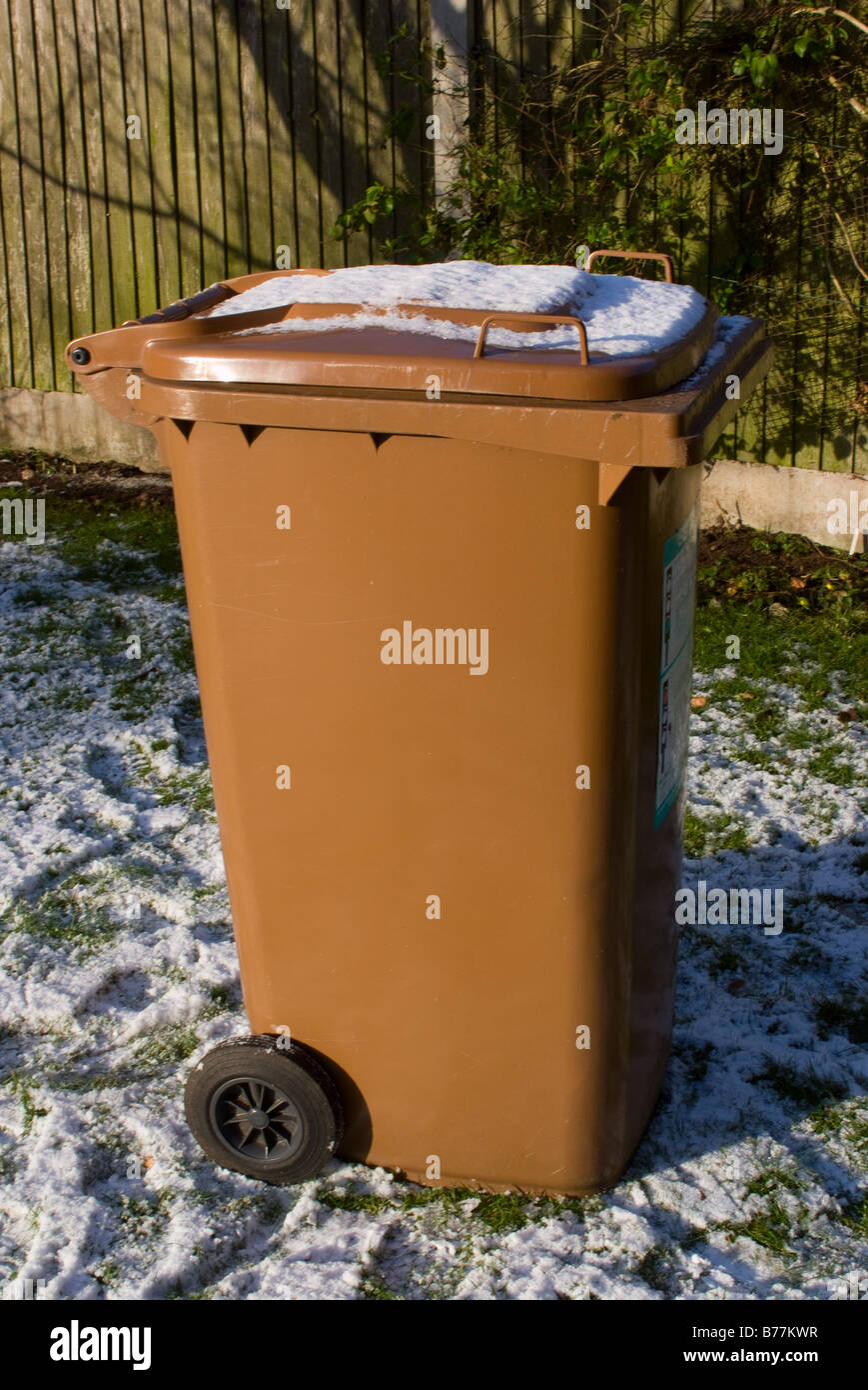 Garbage Bin With Wheels Stock Photos Amp Garbage Bin With
