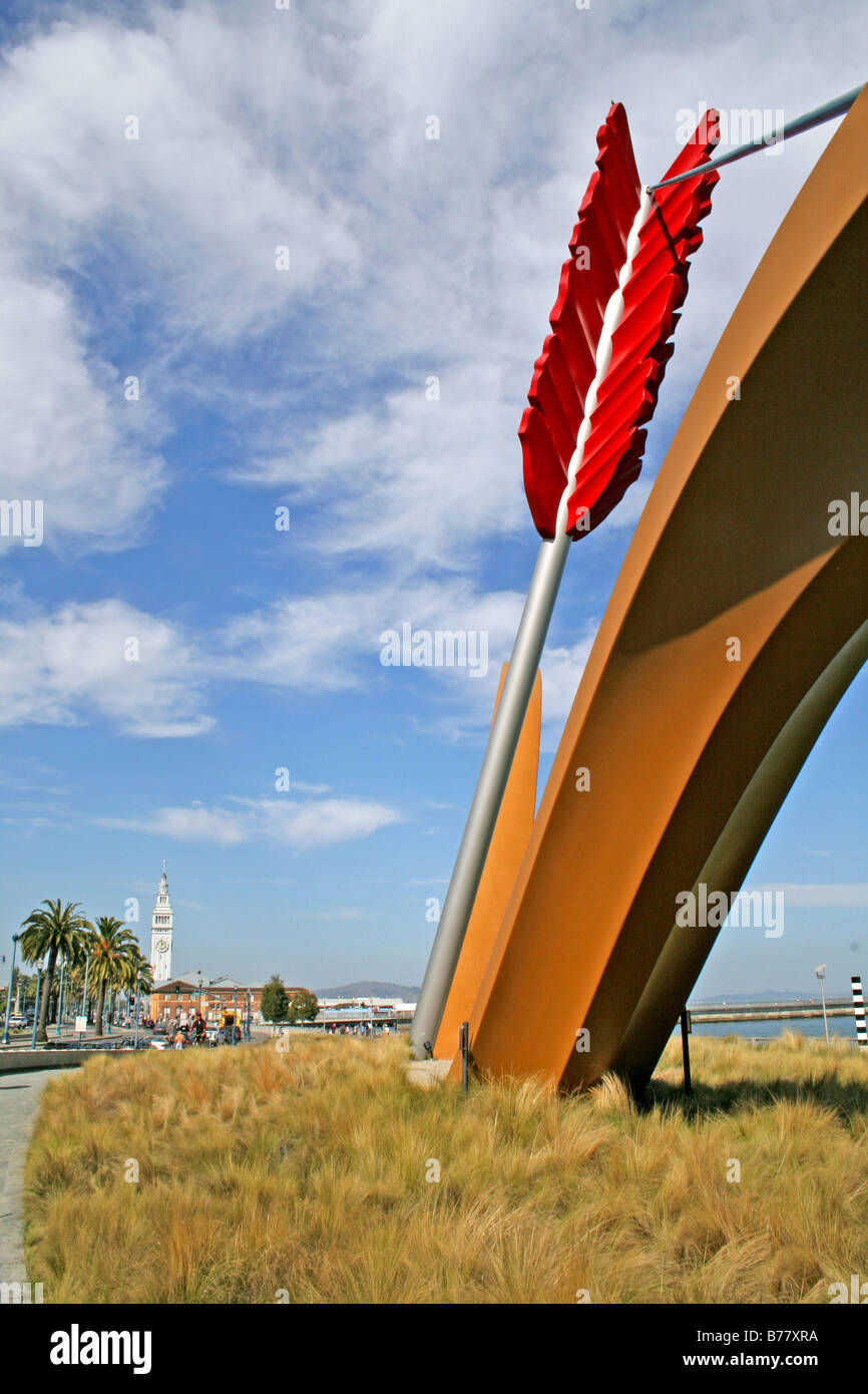 Cupid's Span sculpture on The Embarcadero San Francisco California - Stock Image