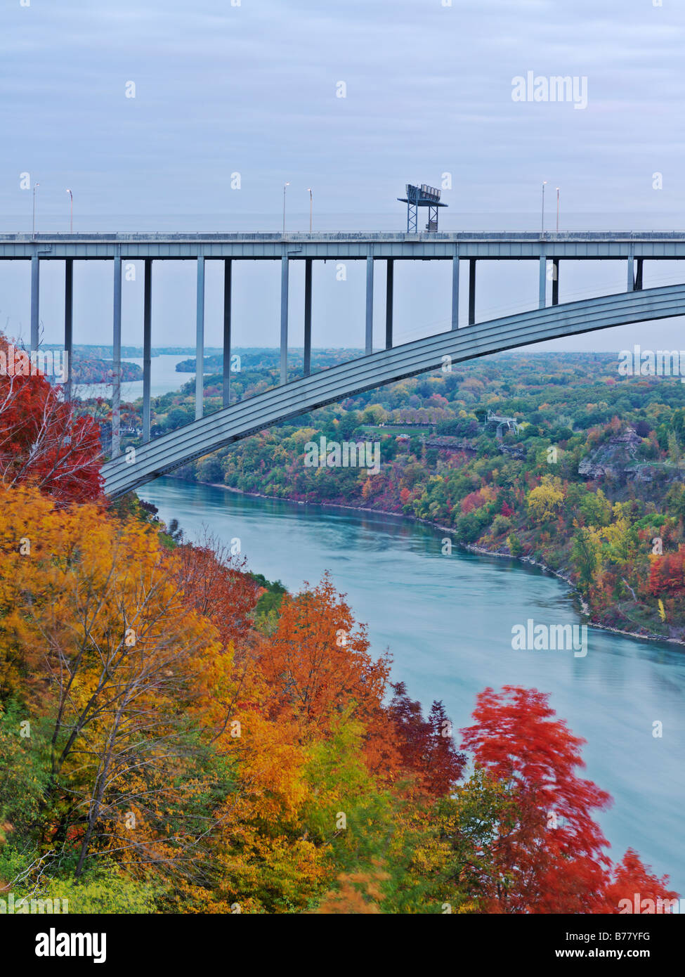 Canada Ontario Queenston Queenston Lewiston Bridge spanning the Niagara River and connects Canada to the USA - Stock Image