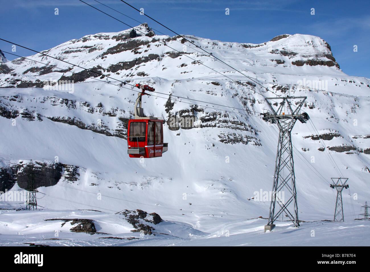Gemmipass-Daubensee cableway, Leukerbad, Switzerland - Stock Image