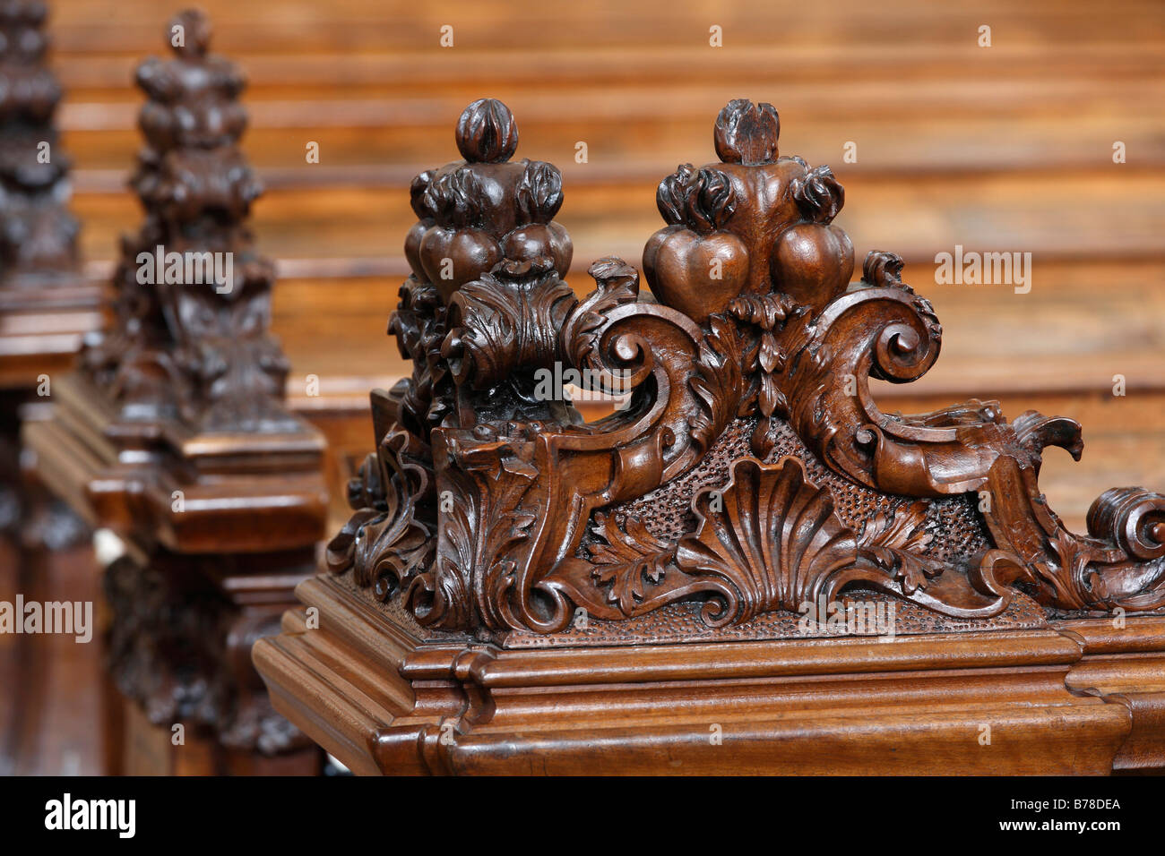 Carved detail on a church pew, Jesuitenkirche, Jesuit Church, city, Vienna, Austria, Europe - Stock Image