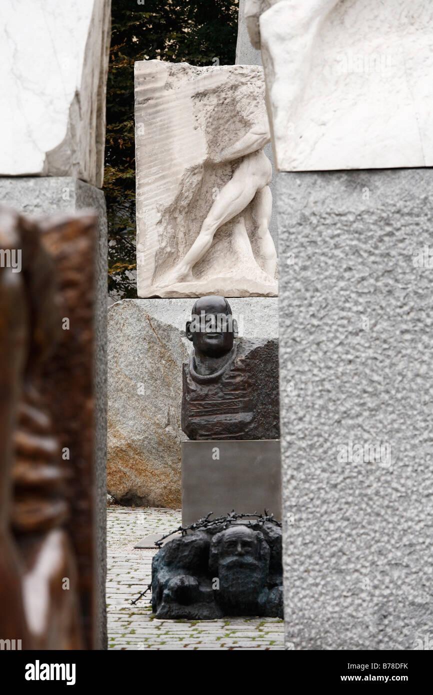 Sculptures by Alfred Hrdlicka on Albertinaplatz, Vienna, Austria, Europe - Stock Image