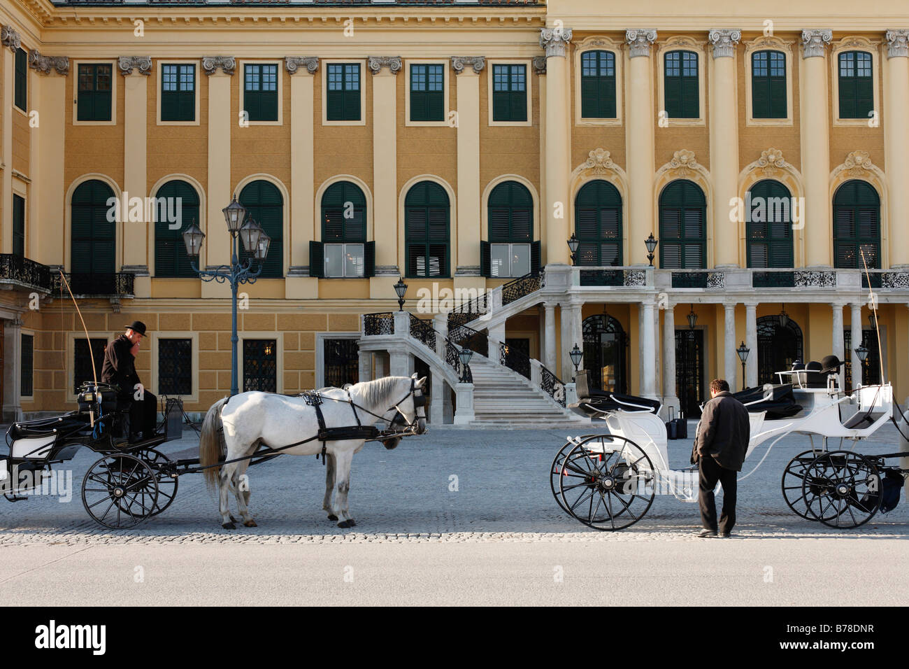 Horse carriage in front of Schoenbrunn Palace, Vienna, Austria, Europe Stock Photo