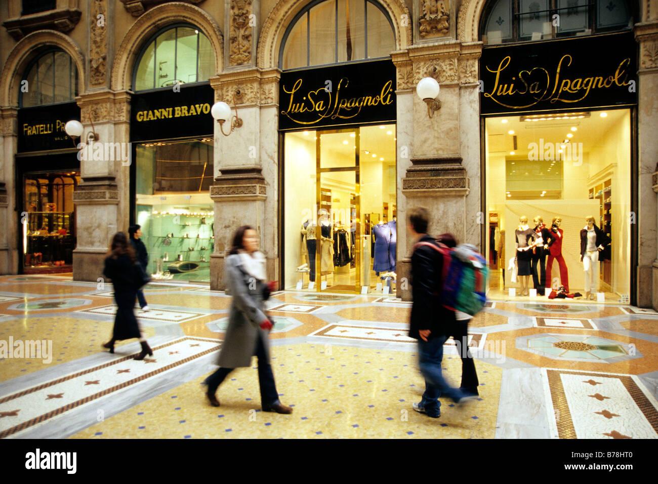 Galleria Vittorio Emanuele Ii Il Salotto Exclusive Gallery Shop