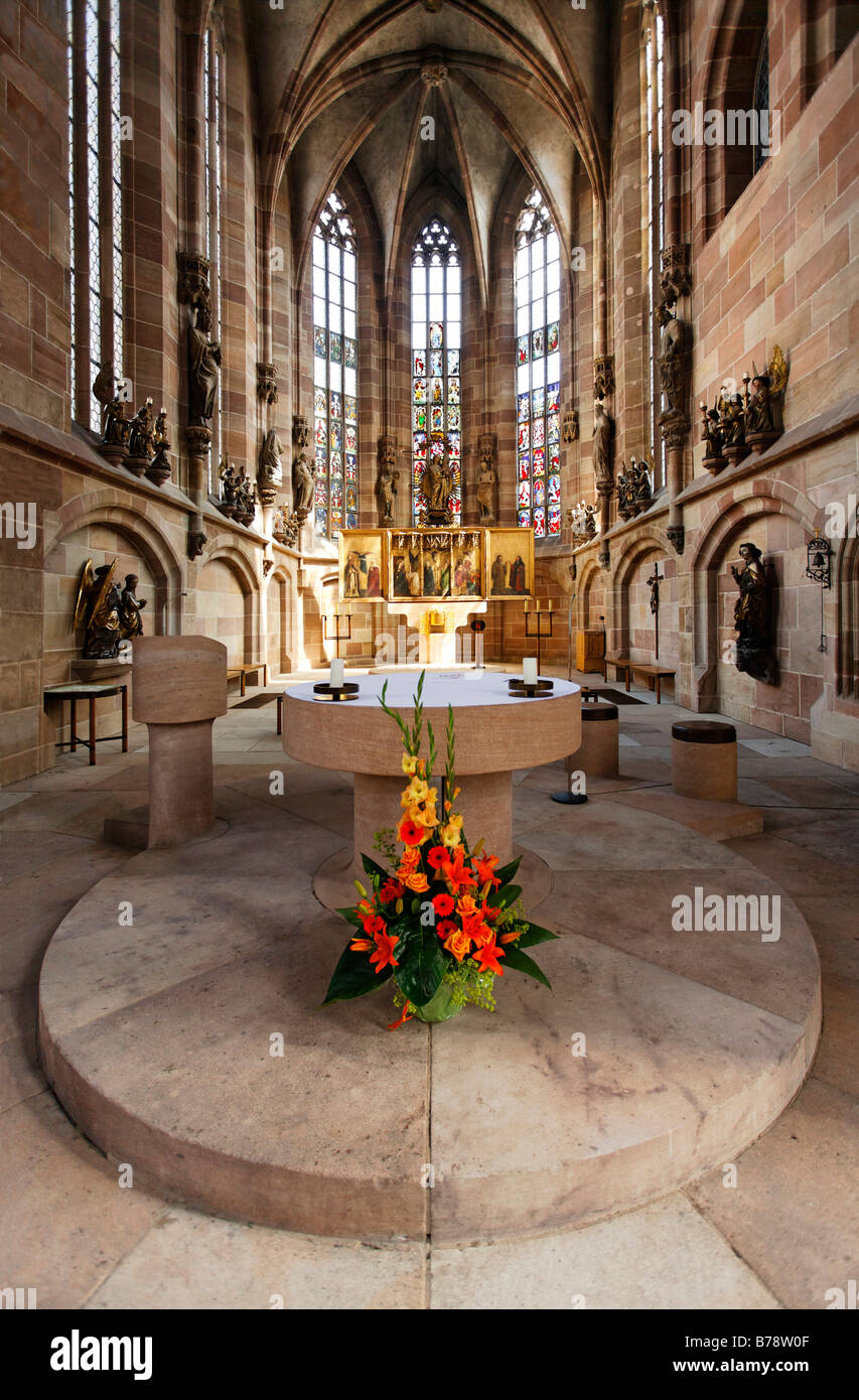 Altar with flowers, St. Sebaldus Church, old town, Nuremberg, Middle Franconia, Bavaria, Germany, Europe - Stock Image