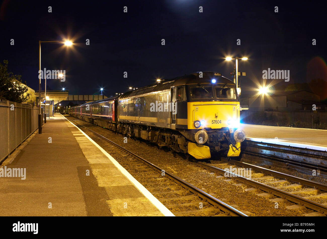 57604 at Parr with 1A40 Paddington Penzance sleeper 13 06 08 - Stock Image