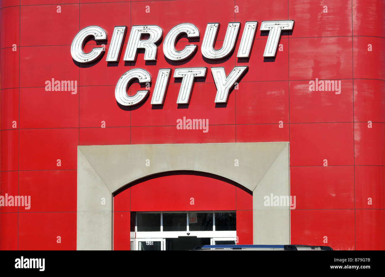 Exterior facade of Circuit City retail chain store showing sign in United States - Stock Image