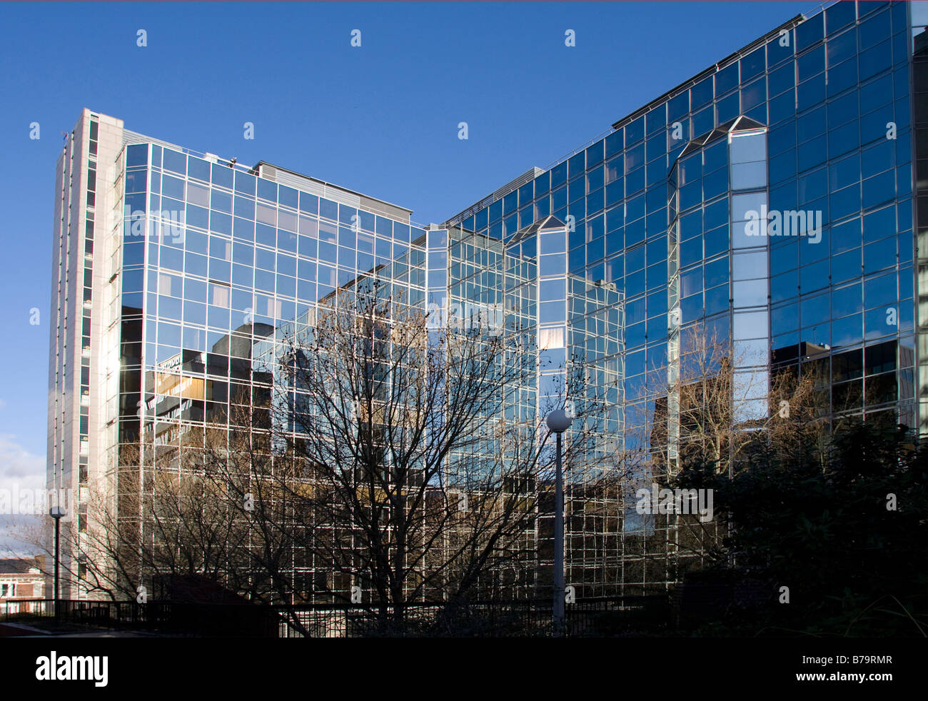 london blue sky sunset glass reflection modern buildings contemporary shapes horizontal 99540 london - Glass Reflection