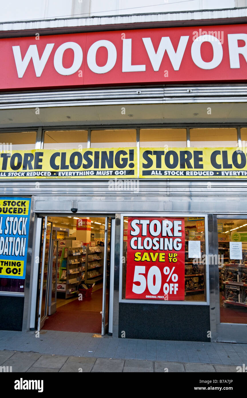Woolworths store closing down sale London UK - Stock Image
